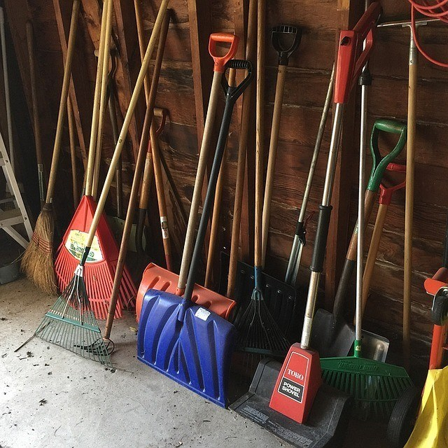 How to Properly Shovel Snow to Prevent Injury